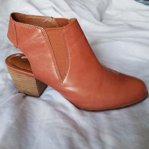 Lucky Brand Chestnut Ankle Booties size 8